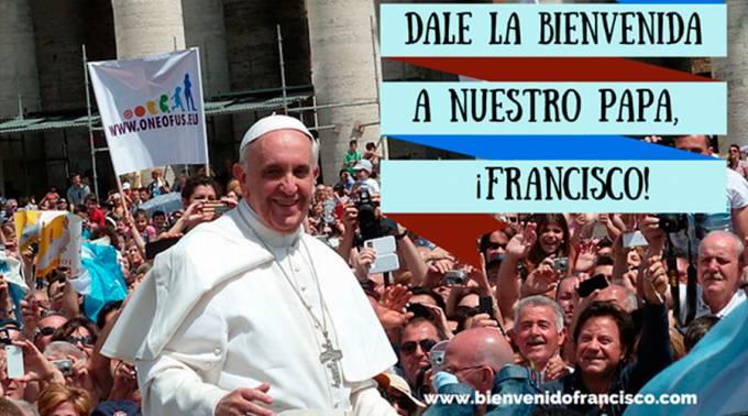 AbrazoPapaFrancisco_BienvenidoPapaFrancisco_040815