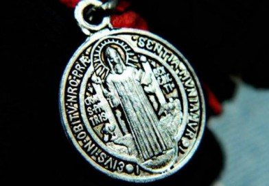 7 cosas que debemos saber sobre la medalla y cruz de San Benito