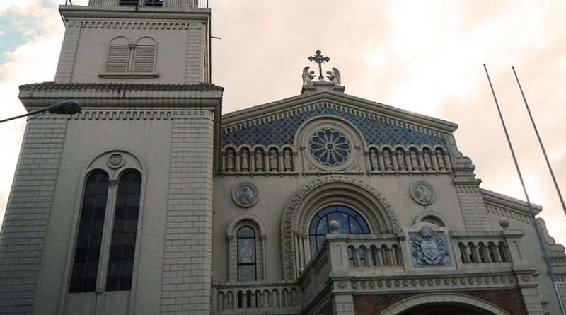 Catedral_La_Inmaculada_Concepcin_de_Cubao_WikipediaRamon_FVelasquezCC_BY_SA_30_240817